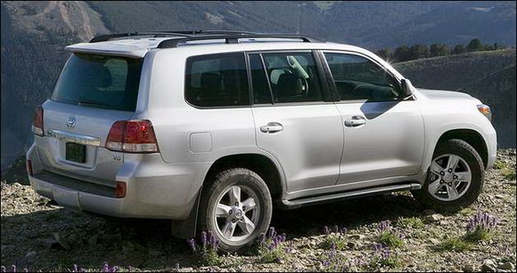 http://reviews.carreview.com/files/2007/10/2008_toyota_landcruiser.jpg