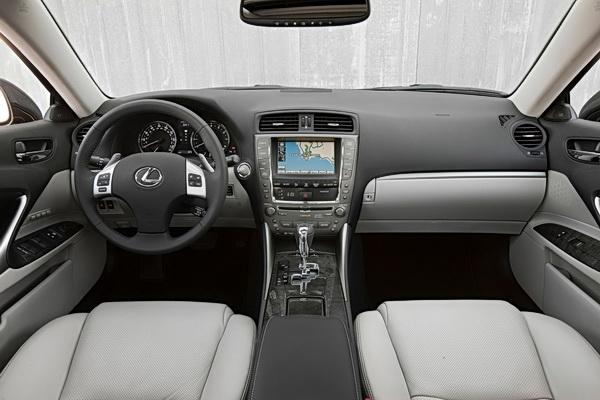 2011-lexus-is-interior