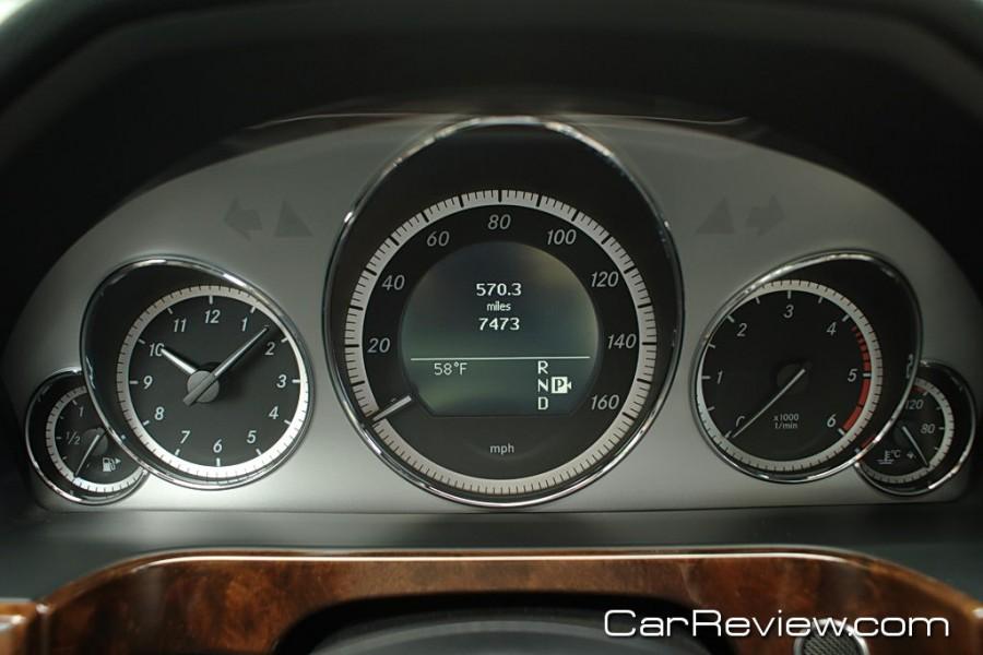 2011_MercedesBenz_E350_39