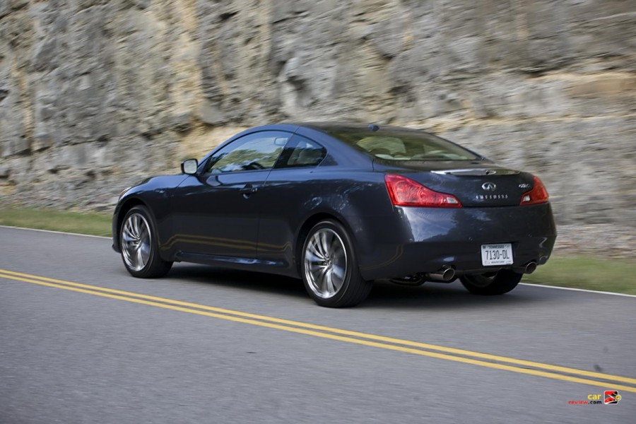 2011_infiniti_g37_coupe_02