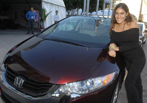 Honda FCX Clarity and actress Q'Orianka Kilcher