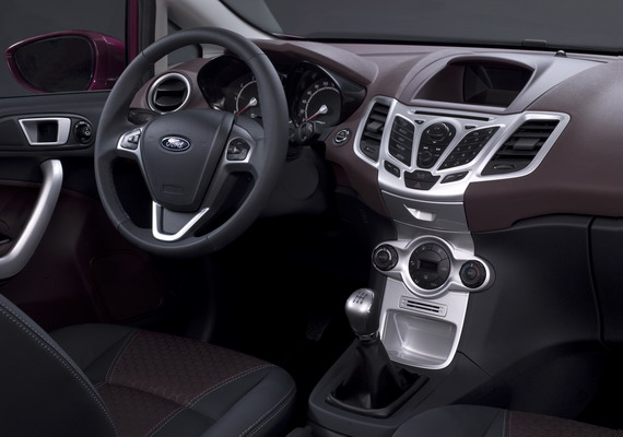 2008 Ford Fiesta interior