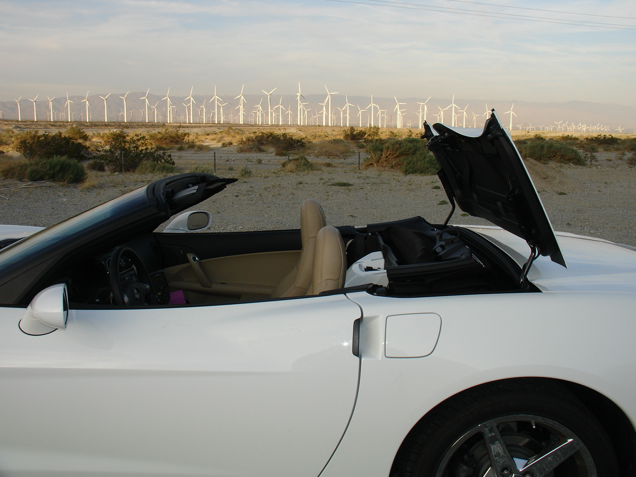 Chevrolet Corvette Convertible - power roof retracting