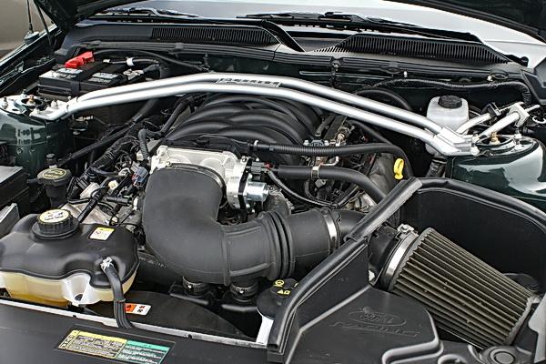 Ford Mustang Bullitt - 315 hp 4.6L V8