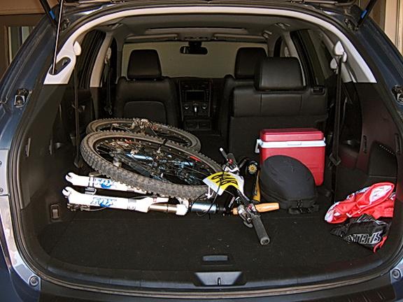 ... Mazda CX 9   Loaded Cargo Area