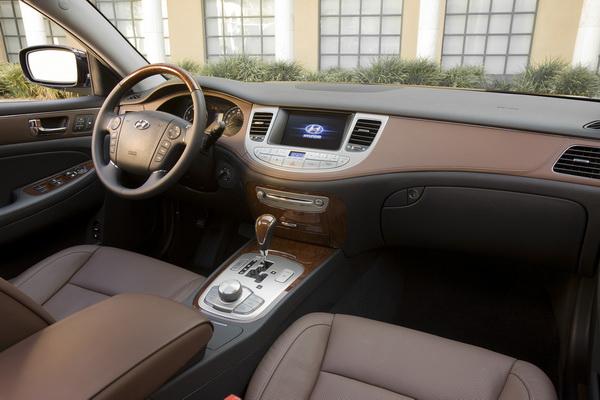 2009 Hyundai Genesis interior
