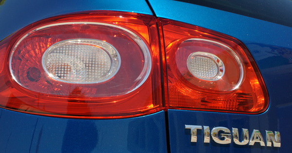 Volkswagen Tiguan - tail light