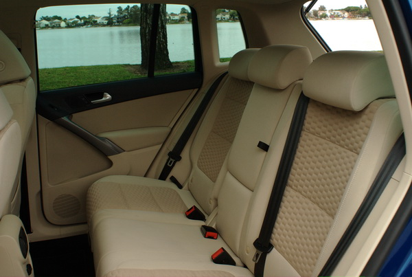 Volkswagen Tiguan - rear seats fold flat