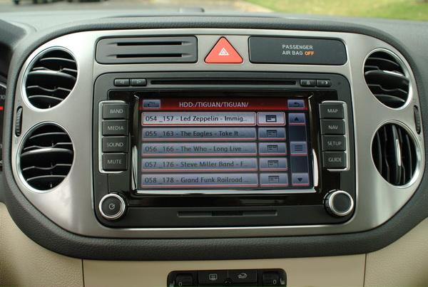 Volkswagen Tiguan - HDD storage for music