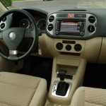Volkswagen Tiguan - interior