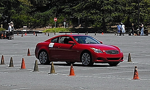 Infiniti G37 running the course at Duel-at-De Anza