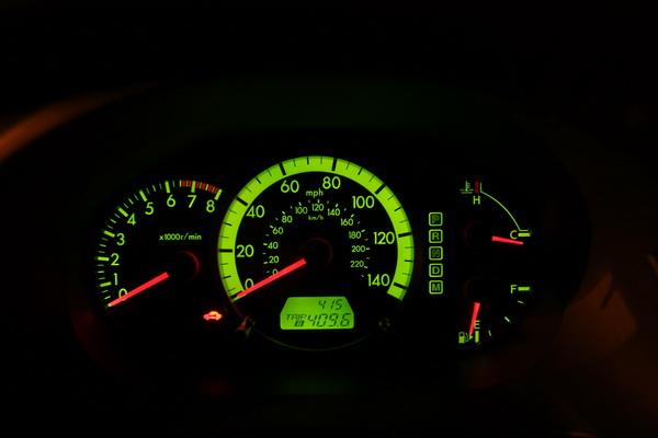 Mazda MAZDA5 instrument pod at night