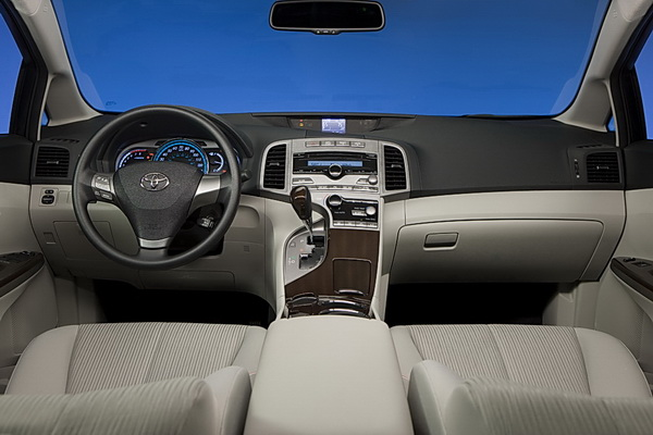 2009 Toyota Venza 60/60 interior design