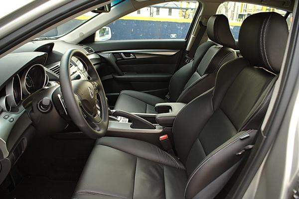 2009 Acura TL interior