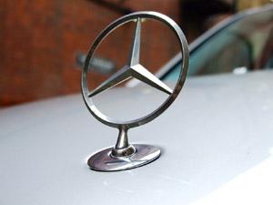 Mercedes-Benz star
