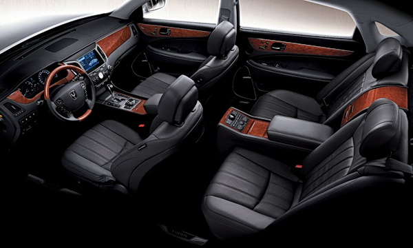 Hyundai Equus interior