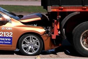 2011 Volvo S60 Crash