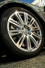 2011 Audi A8 20-inch aluminum alloy wheels