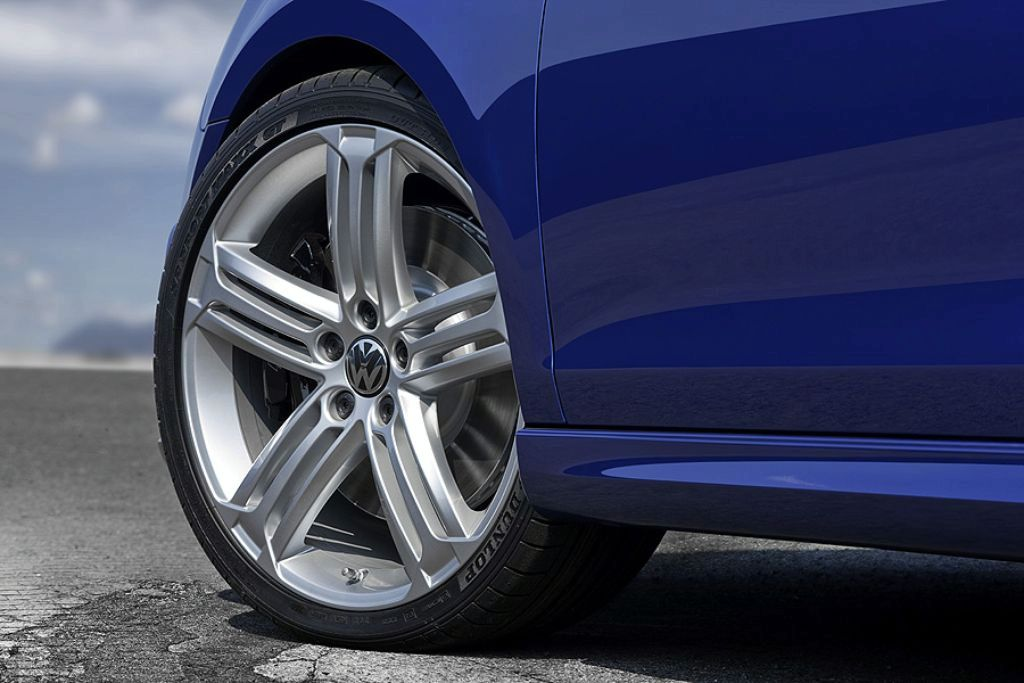 "2011 VW Golf R 18"" Alloy Wheels"