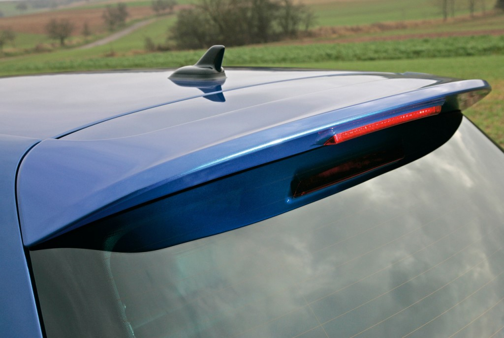 2011 VW Golf R rear spoiler