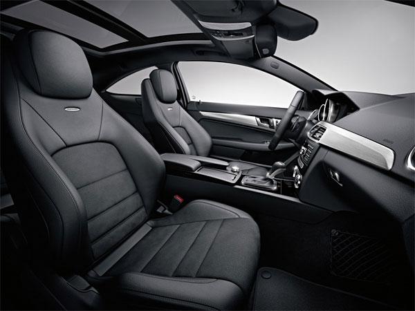 2012-Mercedes-Benz-C63-AMG-Interior