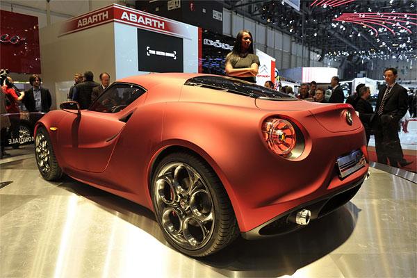 Alfa-Romeo-4C-Coupe-Concept-Rear