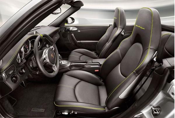 Porsche-911-Turbo-S-Edition-918-Spyder-Interior