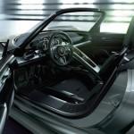 Porsche-918-Spyder-Plug-In-Hybrid-Interior