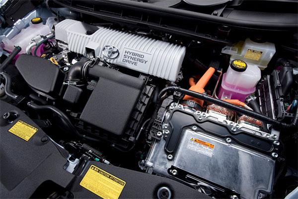Toyota-Prius-Wagon-Engine