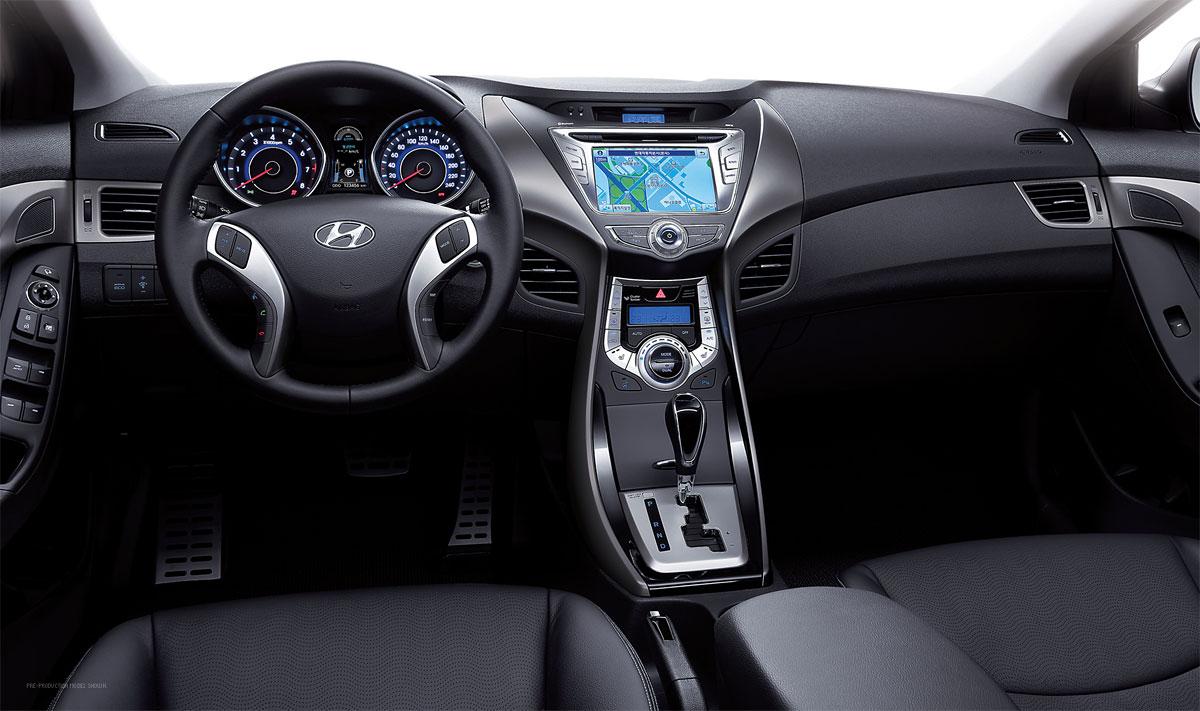 Hyundai Elantra Dashboard on 2011 Hyundai Elantra