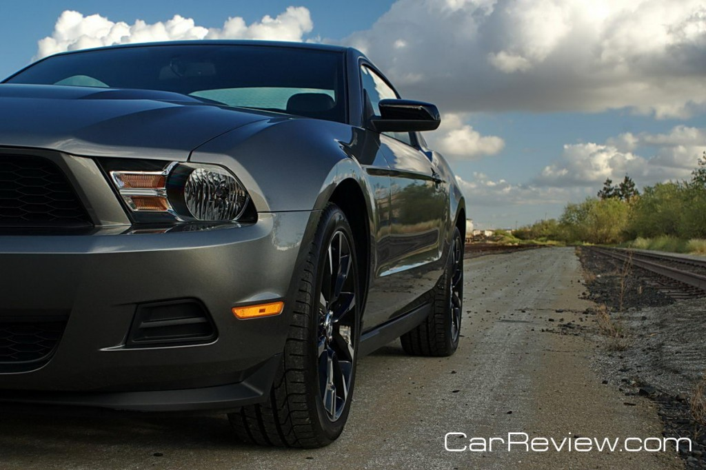 2011_ford_mustang_33