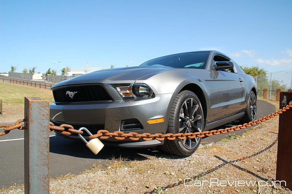 2011_ford_mustang_72