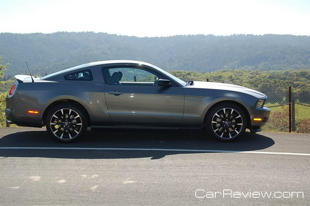 2011_ford_mustang_74