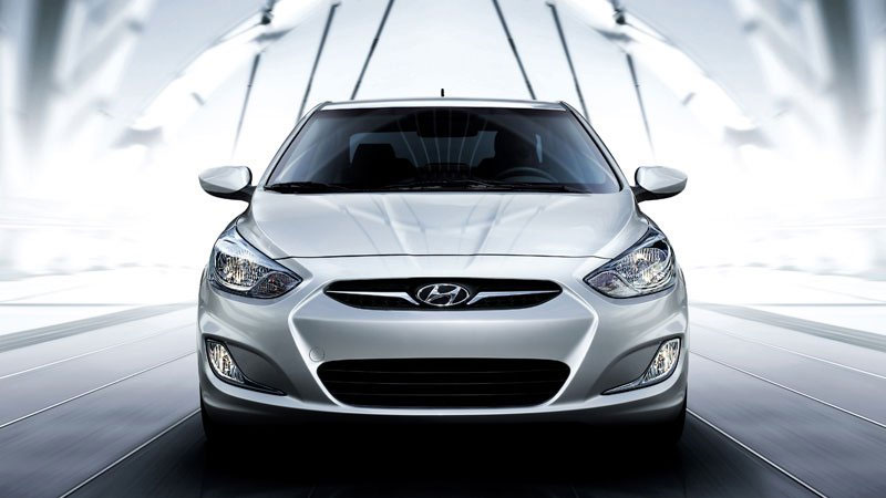 2012 Hyundai Accent Front