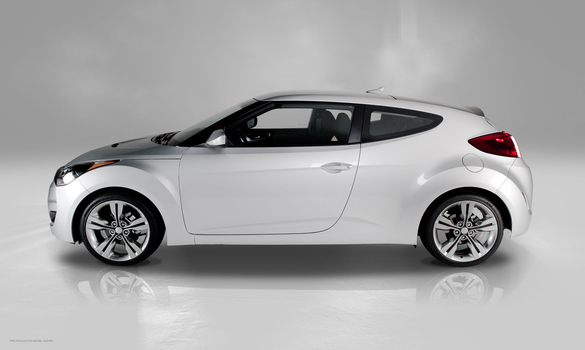 2012 Hyundai Veloster Side   Car Reviews and news at CarReview.com