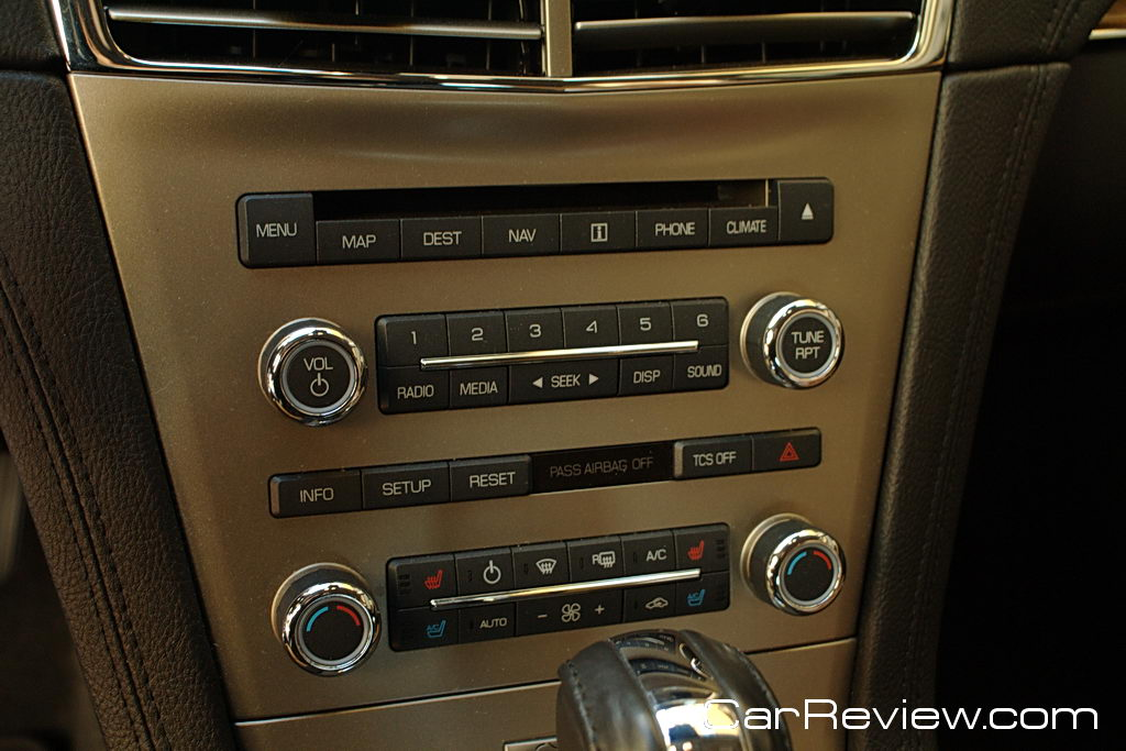 Lincoln MKT audio and climate controls
