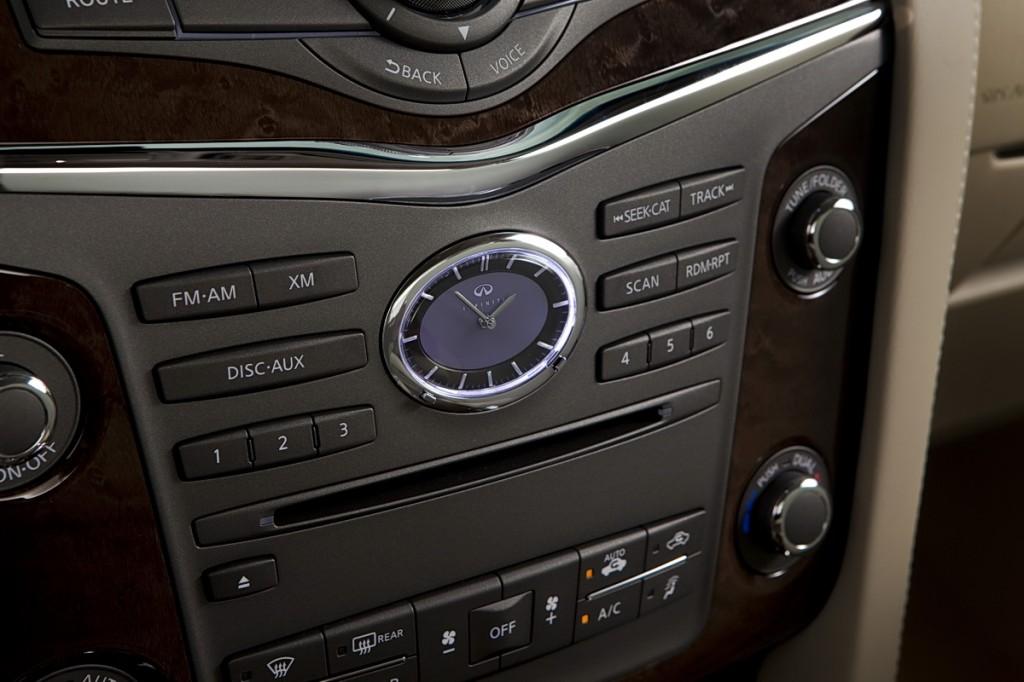 Infiniti analog clock