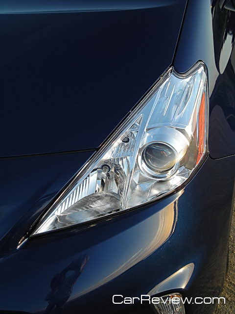 2012 Toyota Prius v headlamp
