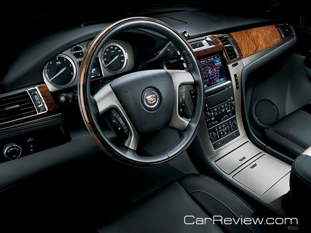 2011 Cadillac Escalade Platinum driver's cockpit