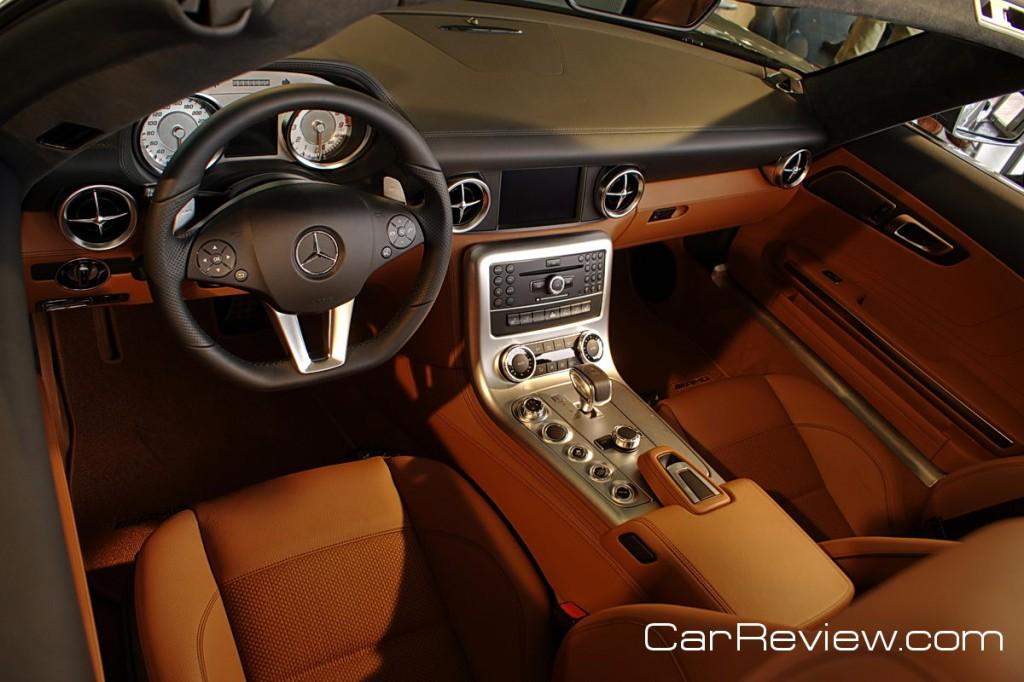 Mercedes-Benz SLS Roadster
