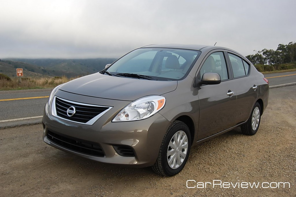 car reviews 2012 nissan versa review. Black Bedroom Furniture Sets. Home Design Ideas