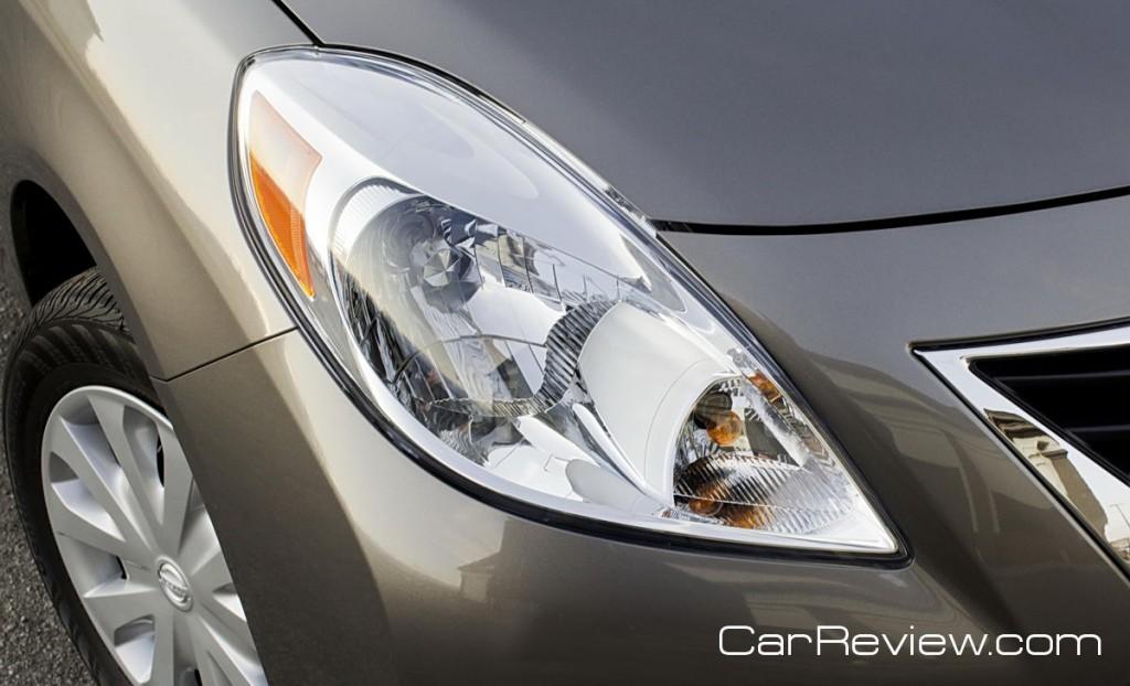 2012 Nissan Versa headlight