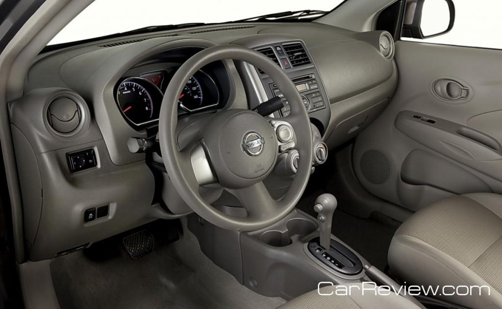 2012 Nissan Versa interior