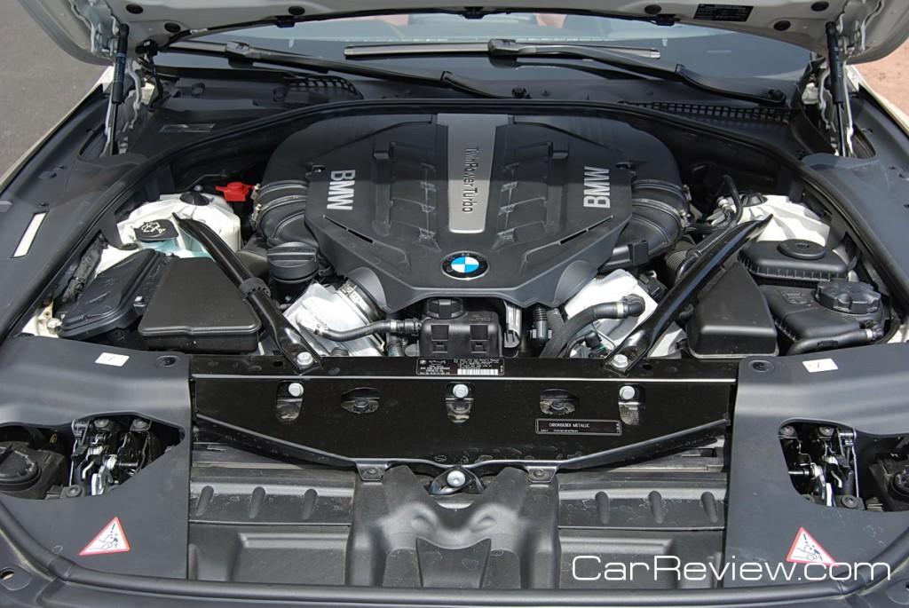 400hp 4.4L twin-turbo V8