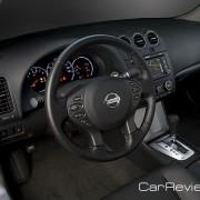 2012 Nissan Altima cockpit