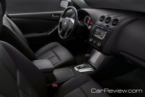 2012 Nissan Altima interior