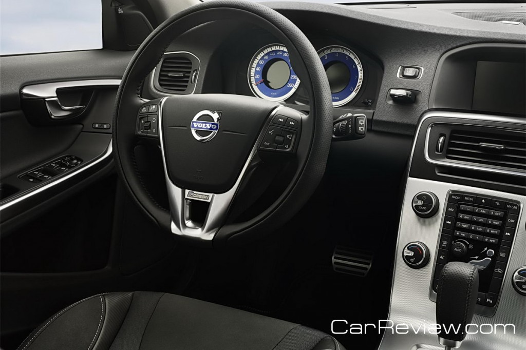 2012 Volvo S60 driver cockpit