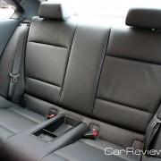 Rear-seat headrests
