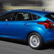 Ford Focus SE side