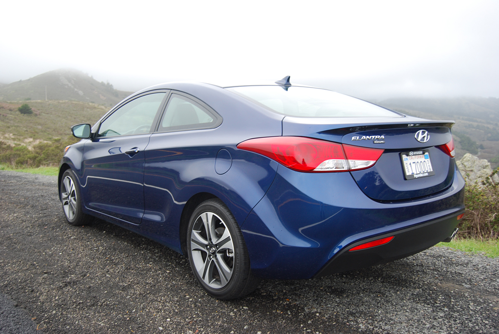2013 hyundai elantra coupe se review car reviews and news at. Black Bedroom Furniture Sets. Home Design Ideas